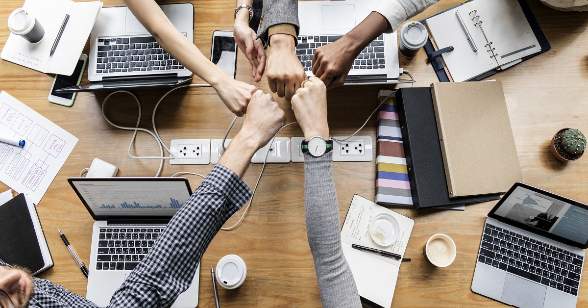 The Relationship Between Leadership Skills and Team Building Success